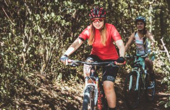 Roxy Raffaela von Roxybike - Interview mit der Mountainbikerin und Fahrtechnik Coach, eine sehr inspirierende MTB Frau
